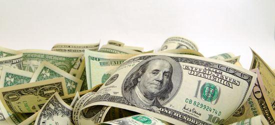 Доллар временно