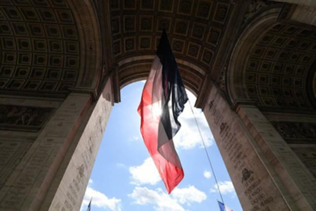 Франция значительно
