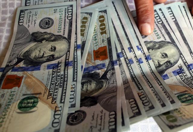 Хедж-фонды снова скупают