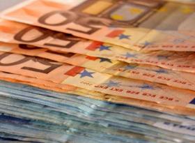 Евро консолидируется