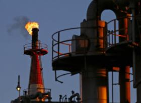 Обзор: нефть растет в