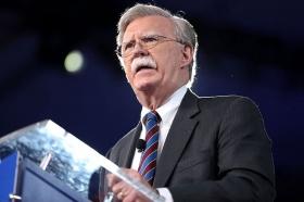 Болтон: США не позволят