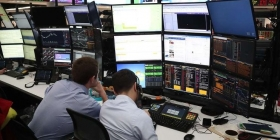 Над мировыми рынками