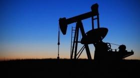 Прогноз: нефть отметит,