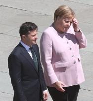 Приступ Меркель: жаркое
