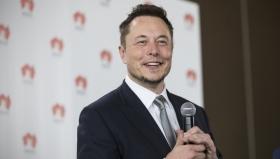 Илон Маск за неделю стал